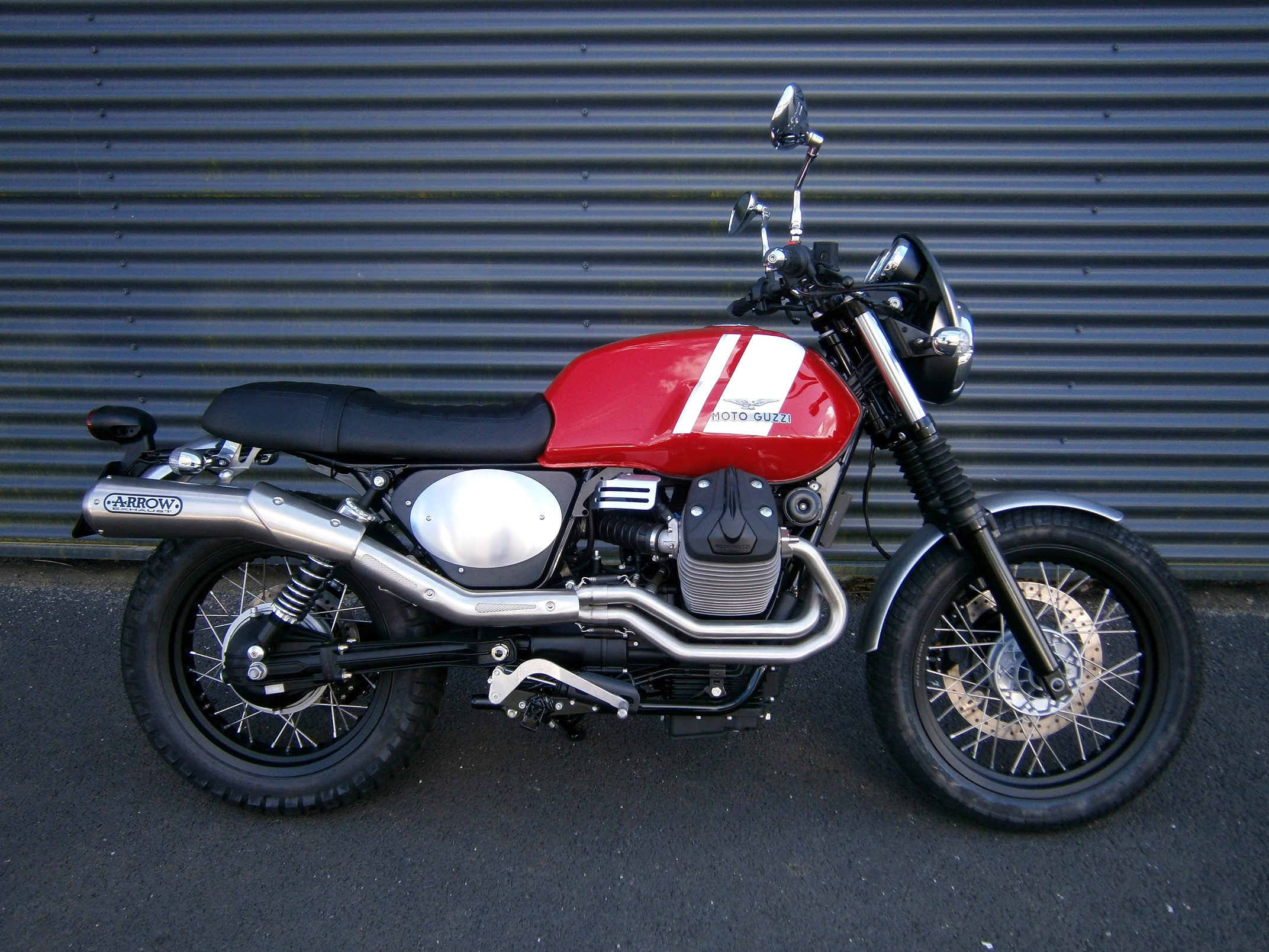 moto guzzi v7 ii scrambler concessionnaire moto et scooter brest finist re 29 vente. Black Bedroom Furniture Sets. Home Design Ideas